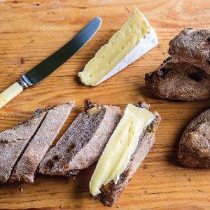 Walnut & Raisin Breadsticks